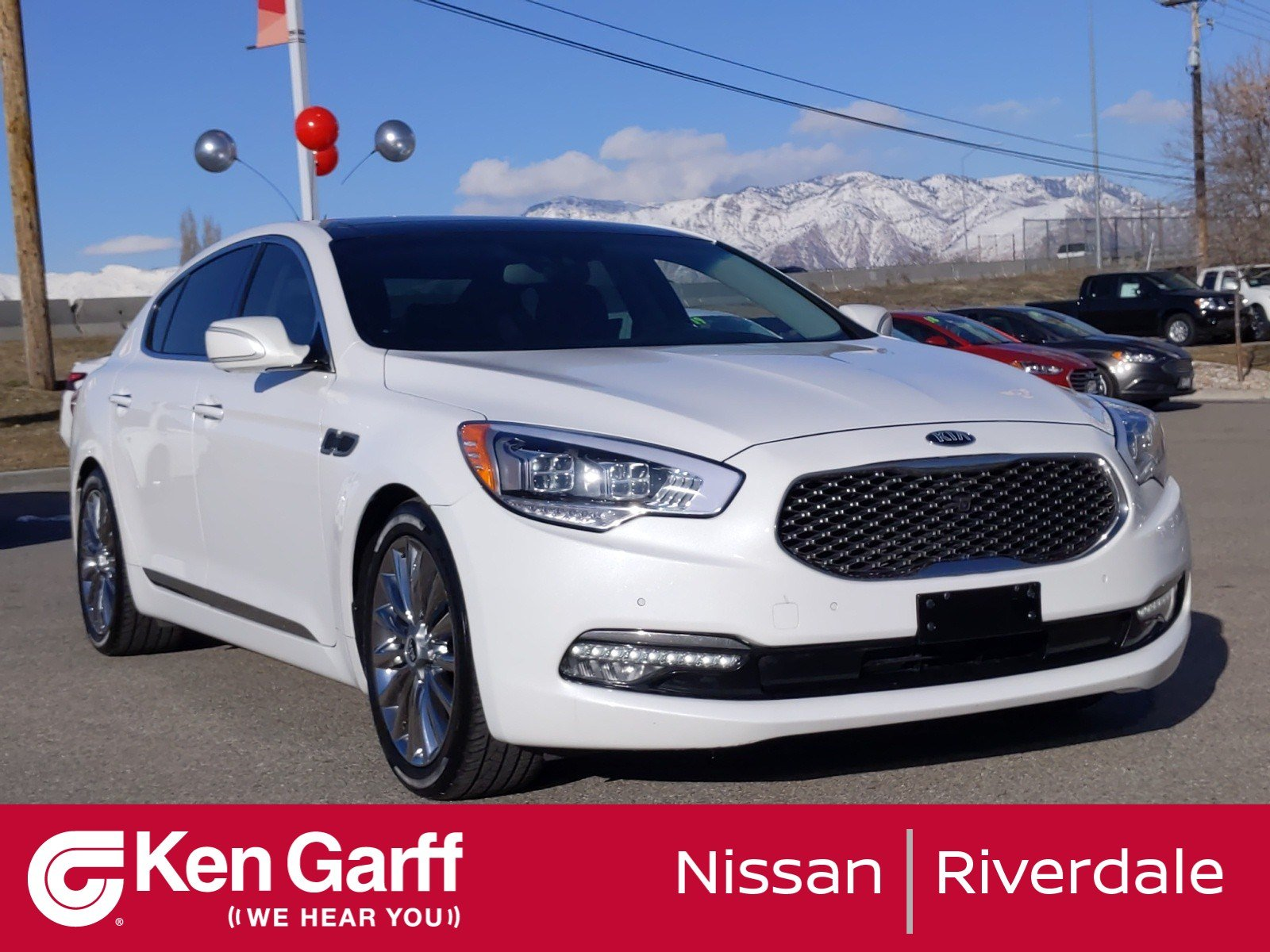 Pre-Owned 2015 Kia K900 Luxury